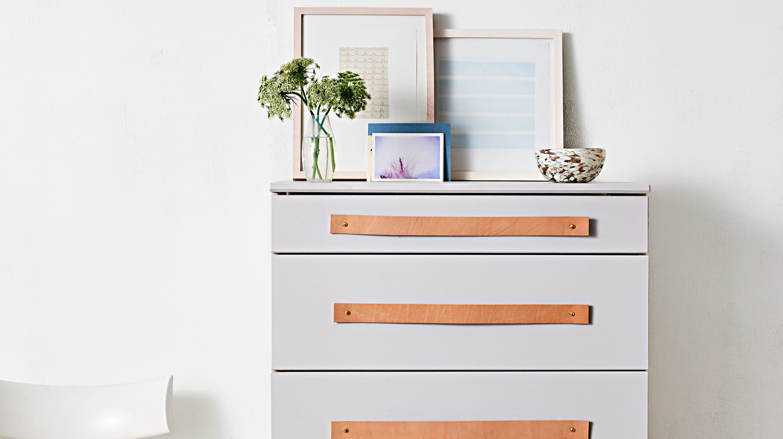 Dresser handles