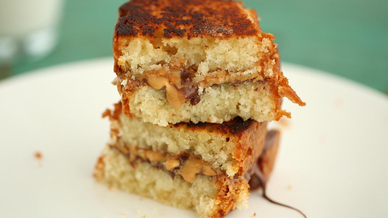 Video: Peanut Butter and Milk Chocolate Sandwich   Martha ...