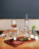 table-md109104.jpg