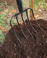 mld105453_1010_compost204.jpg