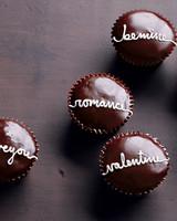 la104524_0209_val_cupcakes.jpg