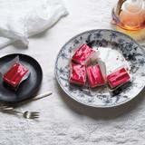 rhubarb-cheesecake-md110802.jpg