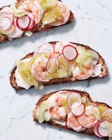 shrimp-sandwich-186-d112100.jpg