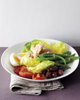 med106560_0311_salad_nicoise.jpg