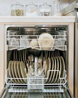 ml711_1197_dishwasher_plates.jpg