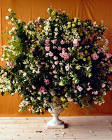 flower-arranging-la104174-003.jpg