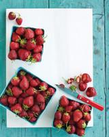 med104169_0609_raw_strawberry.jpg
