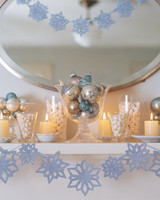 paper-snowflakes-garland-1015.jpg