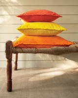 drop-cloth-pillows-0648-mld109920.jpg