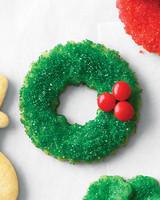 mld106463_1210_cookie_sugarwreath.jpg