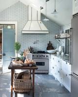 steven-gambrel-kitchen-5-mld107949.jpg