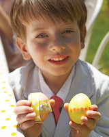 MLD105925_0411_egghunt_325_boy_eggs.jpg