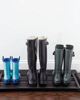 boots-tight-001-exp1-floor-md110840.jpg