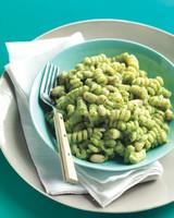 white-bean-broccoli-pesto-med107845.jpg