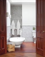 pilars-house-bathroom-0911mld10753710.jpg