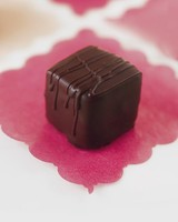ml005g9_0500_simple_chocolate_truffles.jpg