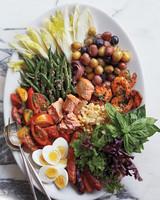 msl-weekend-menu-cobb-salad-031-md109410.jpg