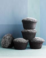 desserts-peanut-butter-filled-cupcakes-med108749-001b.jpg
