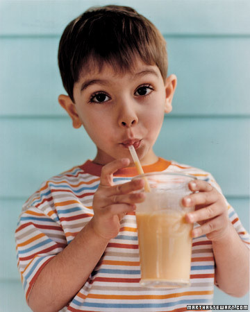 0306_kids_peachshakes.jpg