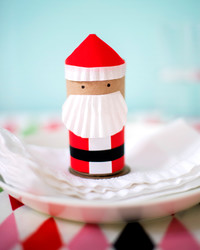DIY Mini Santa Favor Boxes to Hold All Your Christmas Treats