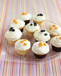 ed_1005_vanillacupcakes.jpg