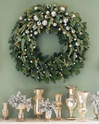 Christmas Checklist: Decorating the Mantel