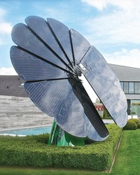 This Unique Solar Panel System Looks and Acts Like a Flower