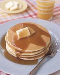 0306_kids_makingpancakes.jpg
