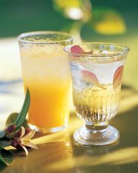 cocktails-0604-mla100373.jpg