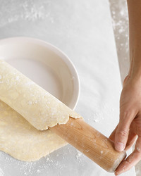 How to Fit and Crimp a Pie Crust