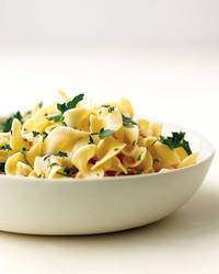 med103954_0908_egg_noodle.jpg