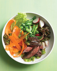 med104694_0509_steaksalad.jpg