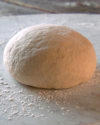 mh_1015_basic_pizza_dough.jpg