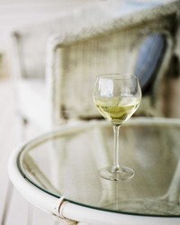 Snuggle Up With These 5 Cozy Weeknight Wines