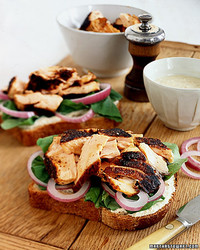a98558_0201_salmonsandwich.jpg