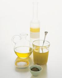 oil-vinegar-0704-mla100801.jpg