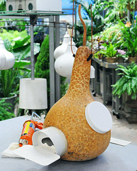 Try This: A DIY Birdhouse Made From a Gourd
