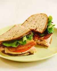 6052_112510_turkey_sandwich.jpg