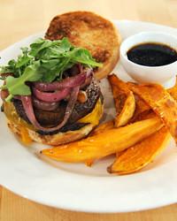 6082_011811_mushroom_burger.jpg