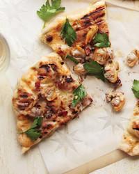 pizza244-0711mld107357-clam.jpg
