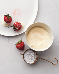 strawberries-012r-mld110043.jpg