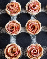 Sweetie Pies: A Dozen Mini Edible Roses