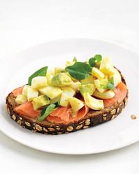 med107085_0411_hea_egg_salad.jpg