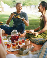 19 Reasons Why You Should Eat Outdoors This Summer