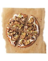 mushroom-leek-pizza-mbd108191.jpg