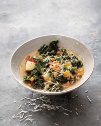 white-bean-kale-stew-mbd109136.jpg