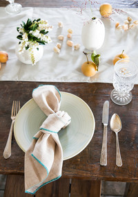 Easy Napkin Folding Alternative: Knotted Napkin