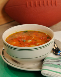 manhattan-clam-chowder-mslb7079.jpg