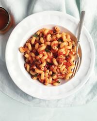 bacon-tomato-pasta-0911med107344.jpg