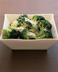 broccoli-parmesan-0404-mea100668.jpg
